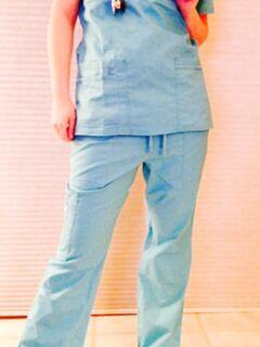 Похотливая медсестра сняла униформу и показала своё тело