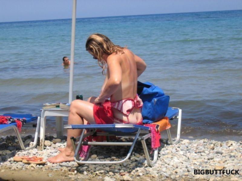 Эротические фото голых сисек и писек на пляжах