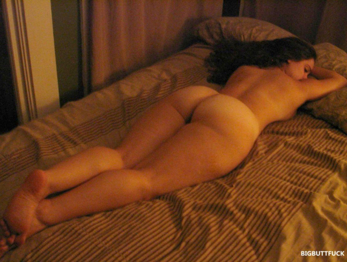 Частные фото голых девушек с большими задницами