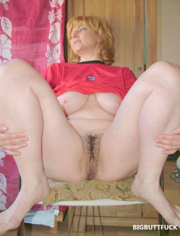Русская голая мамаша с волосатой писькой