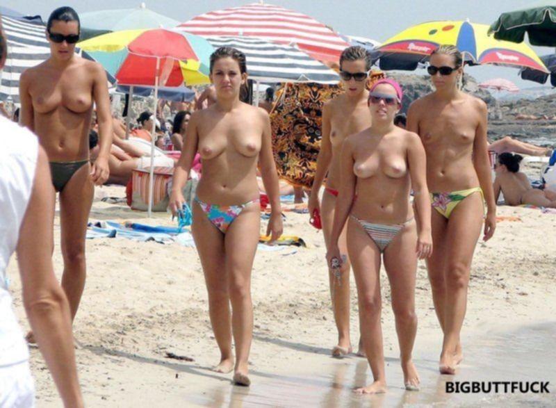 Подборка частных фото голых сисек и писек на пляжах